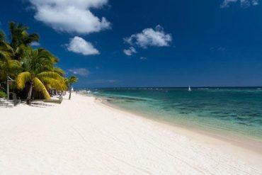 La plage de l'hôtel Victoria à l'île Maurice