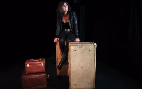 Kym Thiriot dans la pièce Blue