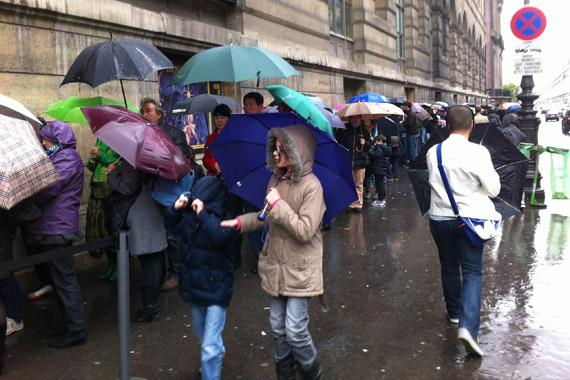 Beaucoup de monde devant les arts dcoratifs