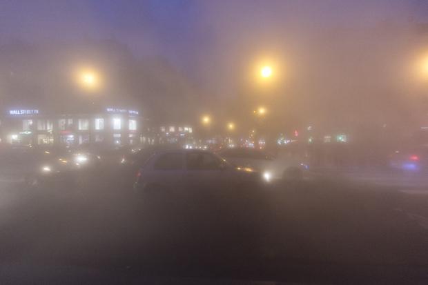 De la brume sur la place de la République