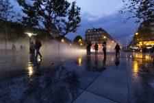 Fujiko Nakaya et ses sculptures de brume place de la République