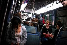 Dans le métro la mort dans l'âme