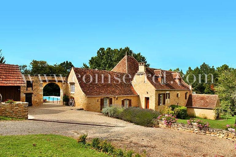 Maison de vacances en pierres dans le Périgord