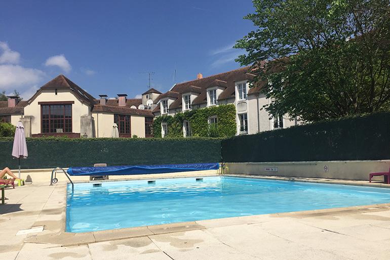La piscine du Manoir de Gressy