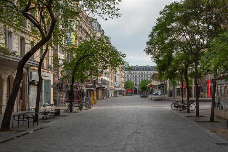 Rue Pierre Lescot devant la Canopée