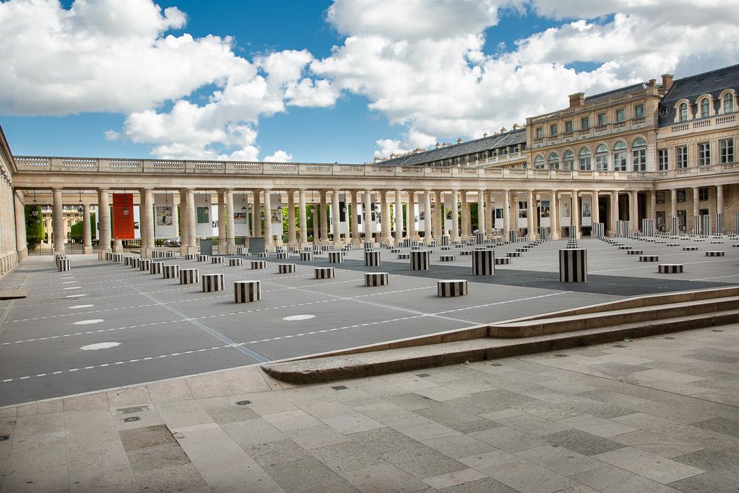 Le Palais Royal et les colonnes de Buren