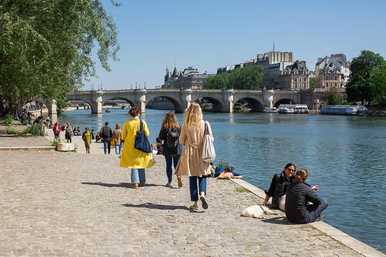 Paris déconfiné sur les bords de Seine